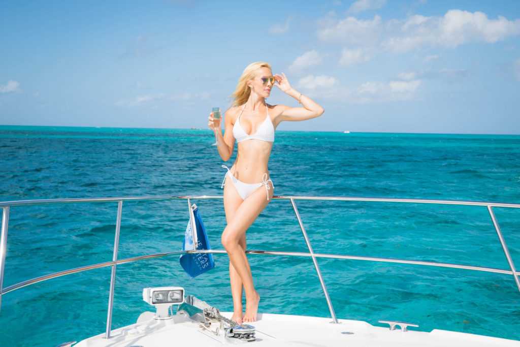 Each Five Star charter includes gourmet hors d'oeuvres, Veuve Clicquot champagne and cold soft drinks. Our unlimited homemade Rum Punch, made with fresh squeezed juices, is also included on every half- and full-day cruise.